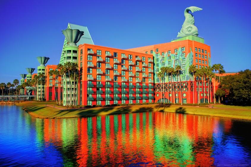 Resortul Dolphin de la Walt Disney World - 7 arhitecți cărora nu le-a fost frică de