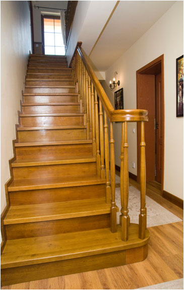 Ghid pentru întreținerea scărilor din lemn masiv - Ghid pentru întreținerea scărilor din lemn masiv