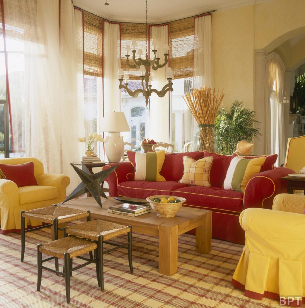 Culori de toamna in amenajari for Yellow and red house