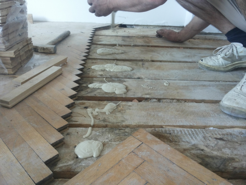 3 - Efectuarea de reparatii si reconditionare parchet masiv vechi