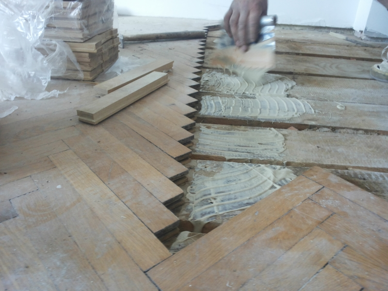 4 - Efectuarea de reparatii si reconditionare parchet masiv vechi
