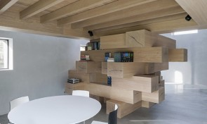 Barn-conversion-by-Studio-Farris-Architects-2-1020x610 - Mobilier din grinzi de lemn masiv