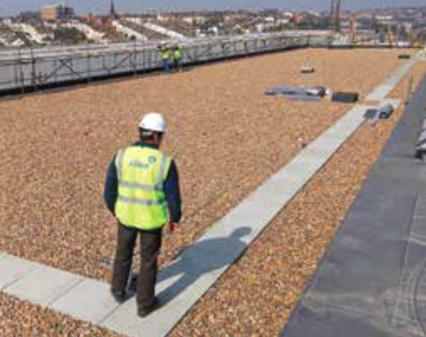 Cum prelungesti durata de viata a acoperisului tip terasa si diminuezi costul facturilor de energie? -