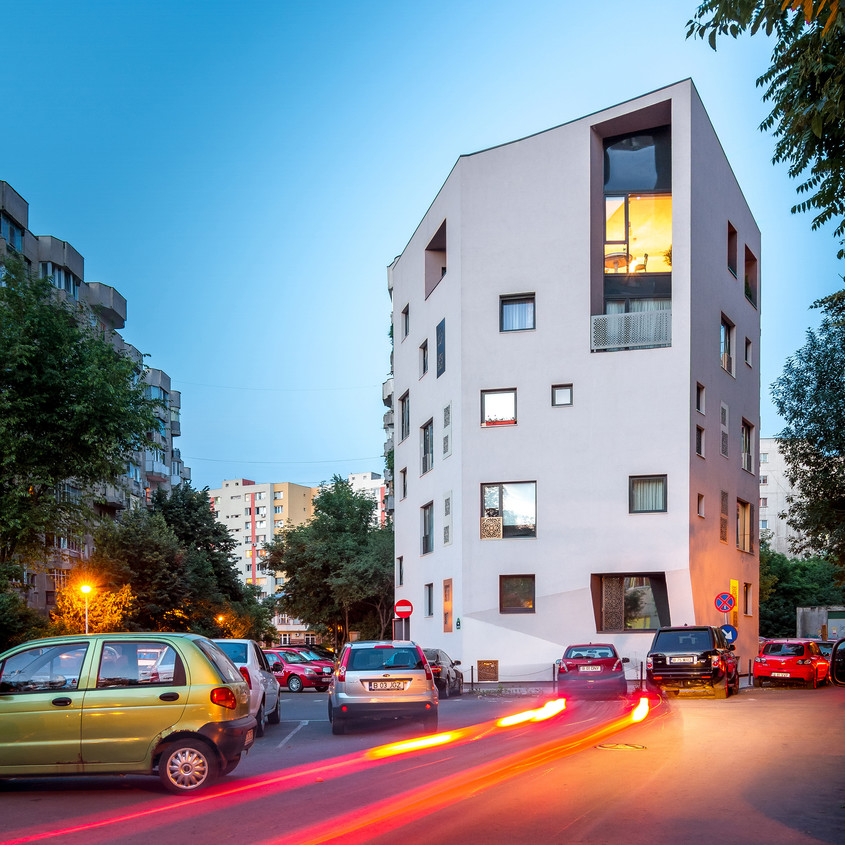 Dupa Blocuri, o casa mai mare, o Vila urbana - vila urbana