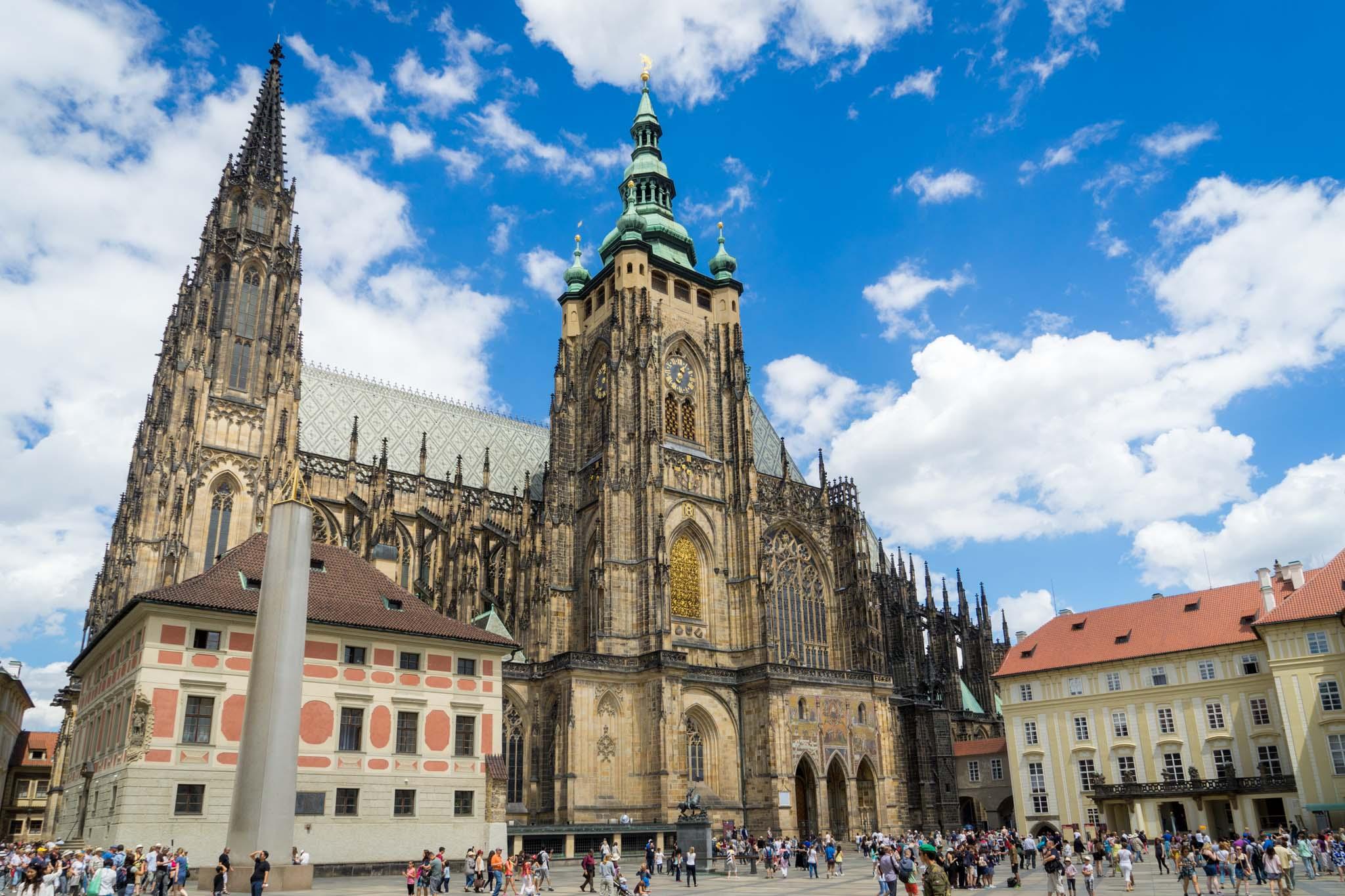 Catedrala Sf Vitus - O călătorie arhitecturală prin Praga orașul celor 100 de clopotnițe - partea