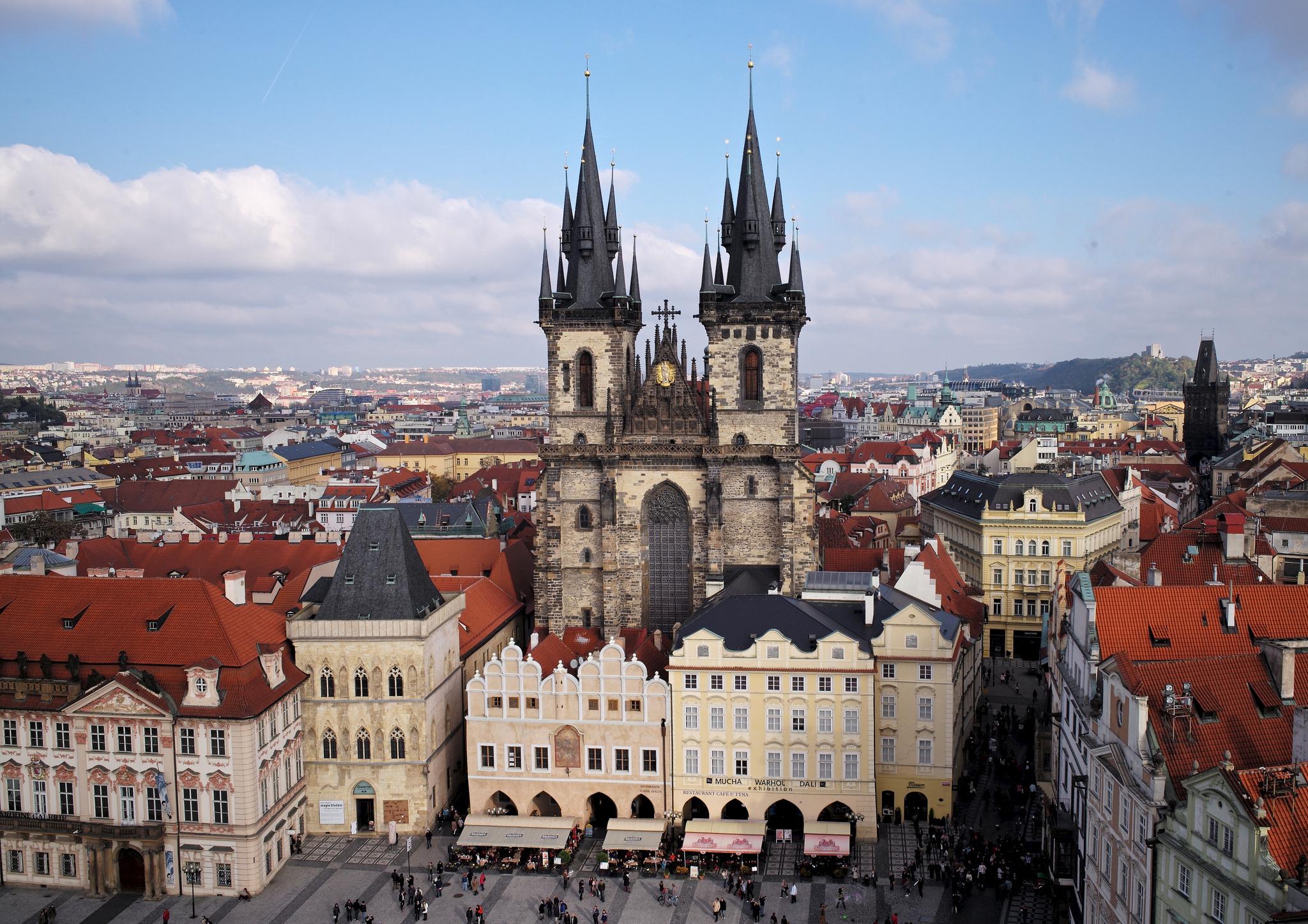 Biserica Sfintei Fecioare din Tyn - O călătorie arhitecturală prin Praga orașul celor 100 de clopotnițe