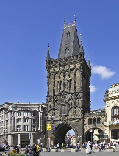 Turnul Pulberariei - O călătorie arhitecturală prin Praga, orașul celor 100 de clopotnițe - partea I