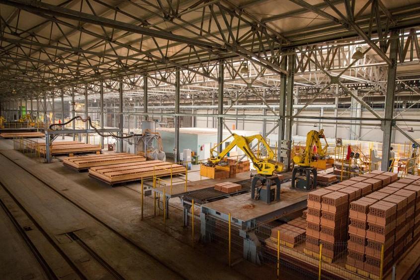 Linie productie Recea - Cemacon a devenit al doilea producator de blocuri ceramice din Romania conform