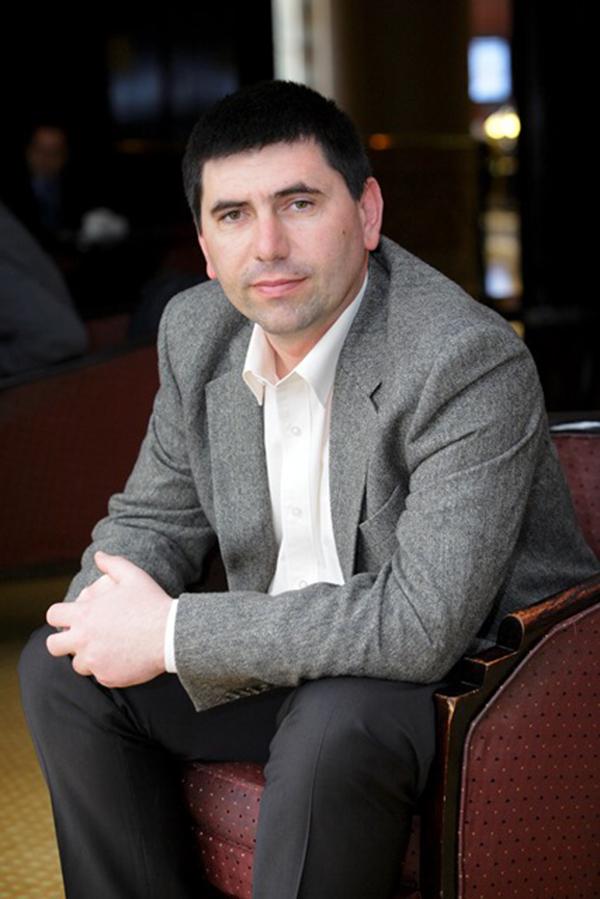 Emil Gota - director general Elis Pavaje - Elis Pavaje a inregistrat o crestere de peste