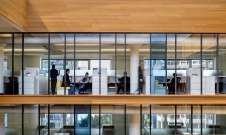 Un vechi depozit din beton este acum spatiu de birouri cu certificare LEED Gold - Un vechi depozit din beton este acum spațiu de birouri cu certificare LEED Gold