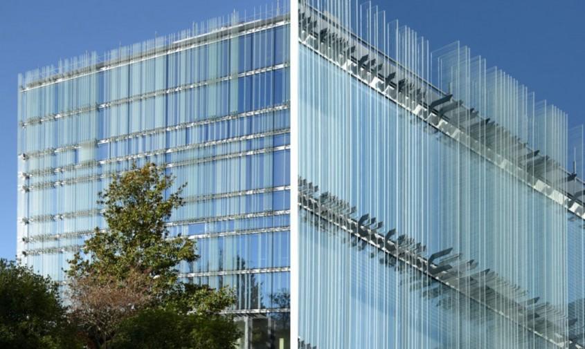 Sediu central al companiei Swiss Societe Privee de Gerance (SPG - Clădire ventilată natural ce licărește
