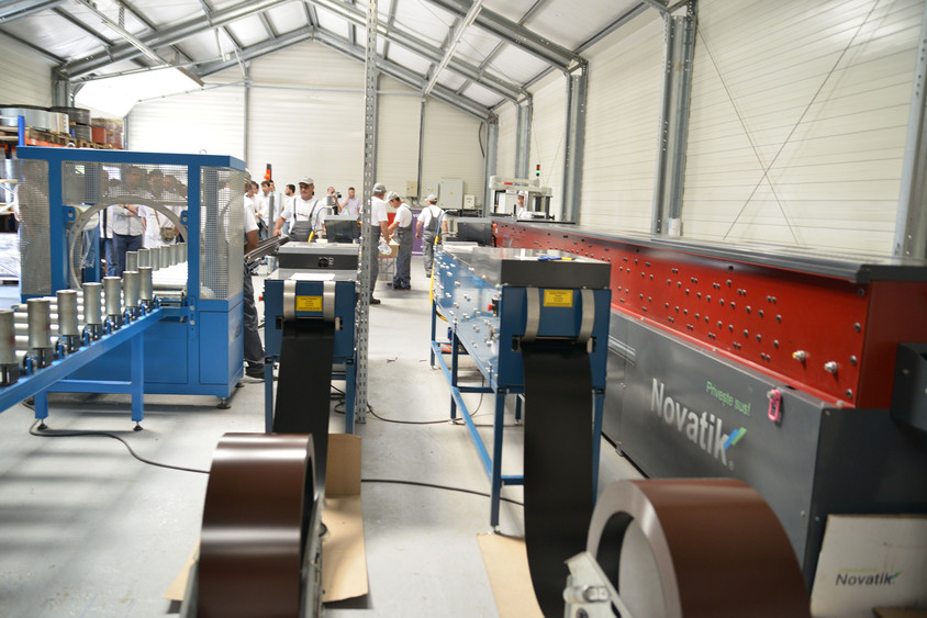 Fabrica Final Distribution - Final Distribution, lider pe piata invelitorilor metalice cu acoperire de piatra naturala