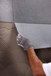 Pozitionarea si fixarea placii pe perete - Exemple de aplicare a gresiei portelanate subtiri pe pereti