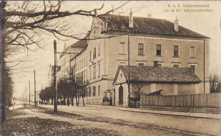 """Vernisajul expozitiei """"Patrimoniu construit in Cartierul Parcul Sub Arini din Sibiu"""" la Centrul de Cultura al"""