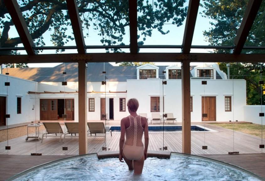 Ferma (Farmhouse) - O ferma din Africa de Sud este acum centru pentru relaxare si recreere