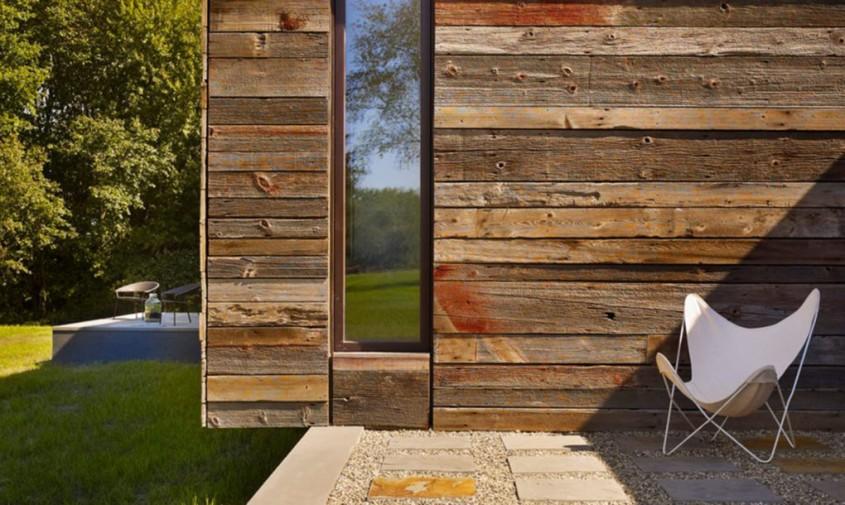 Lemnul masiv reciclat da textura si culoare exteriorului unei case - Lemnul masiv reciclat da textura