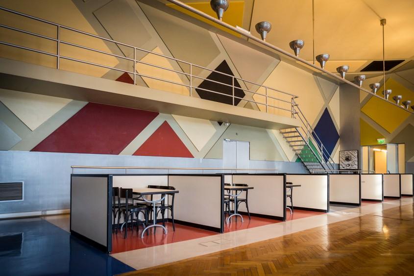 Café l'Aubette - 7 arhitecți cărora nu le-a fost frică de culoare