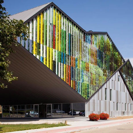 Academia de Muzica din Dilbeek mai mult decat personalitate cu Larson Bond! - Academia de Muzica