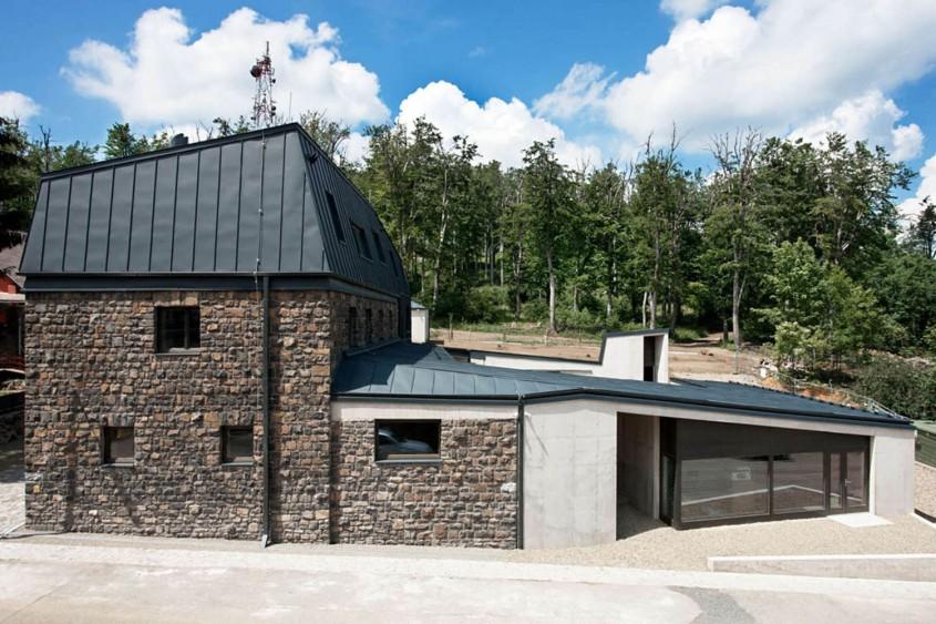 h006_Tamas_Bujnovszky - Centru turistic, in munti, pentru pasionatii de drumetii