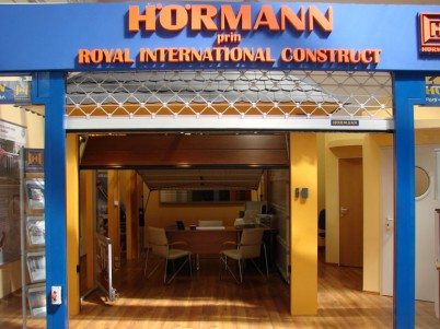 Showroom Royal International Construct - prezentare usa - Showroo Royal International Construct