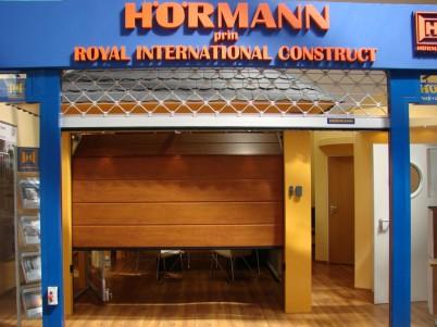 Usa prezentata in showroom - Showroo Royal International Construct