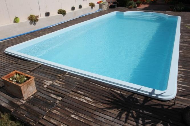 Piscine monobloc fibrex for Amenajari piscine