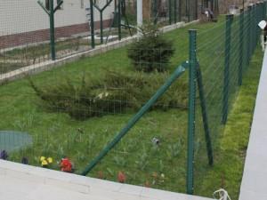 Europlast - plasa sudata zincata si acoperita cu pvc - Panouri pentru garduri metalice