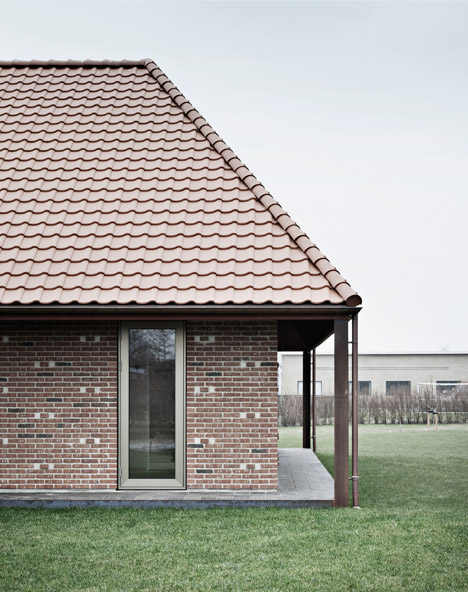 Casa de caramida - Pereti solizi din caramida