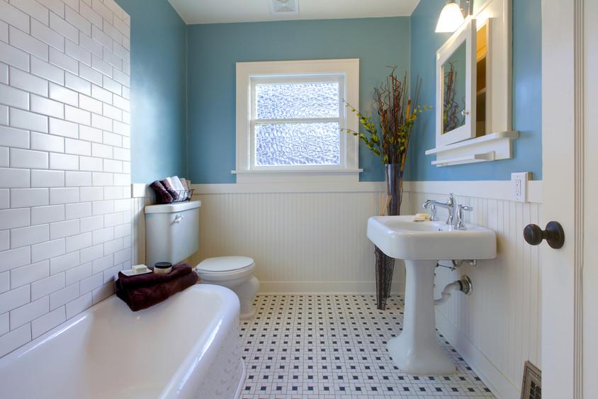 Baie CasaBella - Policolor lanseaza CasaBella antimucegai cea mai noua vopsea lavabila de interior pentru spatii