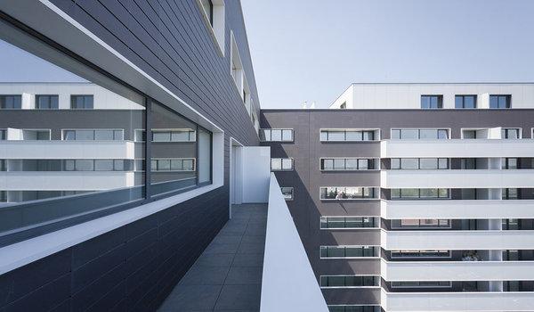 "Cladire de apartamente ""Cortina Residence"" - Premiile Bienalei Nationale de Arhitectura editia a-12-a, 2016"