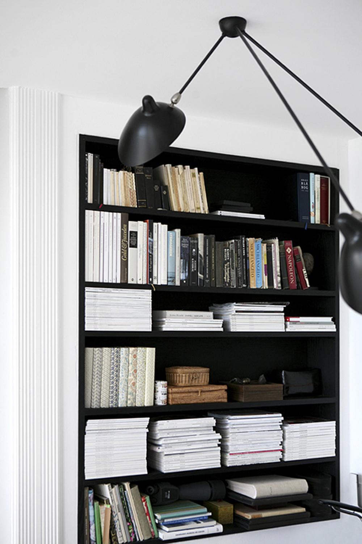 Mobilier negru - Oare ce putem vopsi in negru intr-o casa?