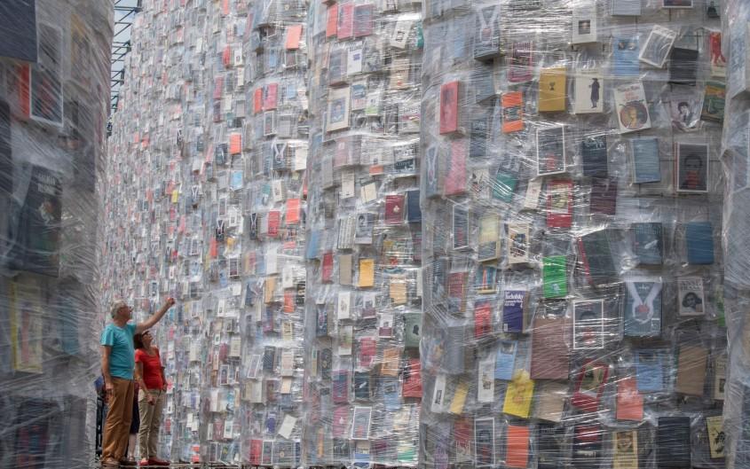 """""""Partenonul Cartilor"""" ridicat pe locul unde nazistii au ars mii de carti interzise - """"Partenonul Cărților"""""""