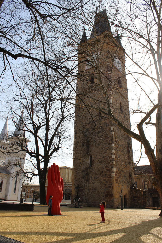 Sculptura monumentala in miscare de la Liverpool la Baia Mare - Sculptura monumentala in miscare de