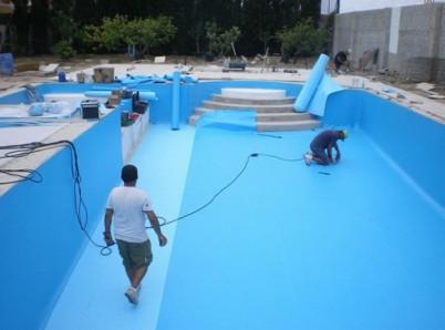 Aplicare Liner Arrmat - Renovarea piscinelor