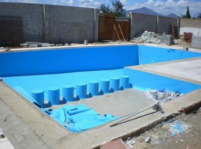 Aplicare bordura - Renovarea piscinelor