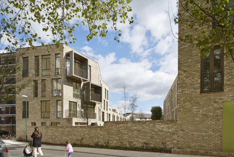 Ely Court sau intoarcerea acasa - Ely Court sau întoarcerea acasă - o dezvoltare rezidențială marca Alison Brooks Architects prezentată de Nelson Carvalho la SHARE Forum 2017