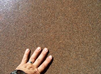MasterTop 1209 R - Sistem epoxidic antiderpant pe baza de nisip cuartos colorat pentru zone expuse traficului industrial mediu si greu - Pardoseli poliuretanice decorative