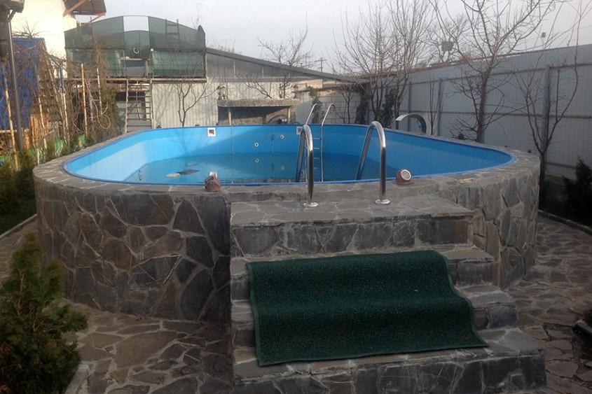Piscina rezidentiala Campina - Dupa renovare - Cand e timpul sa iti renovezi piscina?