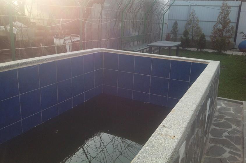 Piscina rezidentiala Campina - Inainte de renovare - Cand e timpul sa iti renovezi piscina?