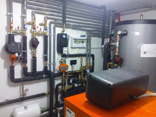 Centrale pe lemen cu consum si timp de alimentare redus - Centale pe lemne in diferite moduri de montaj - Centrale cu peleti - Centrale pe gaz si Centrale electrice