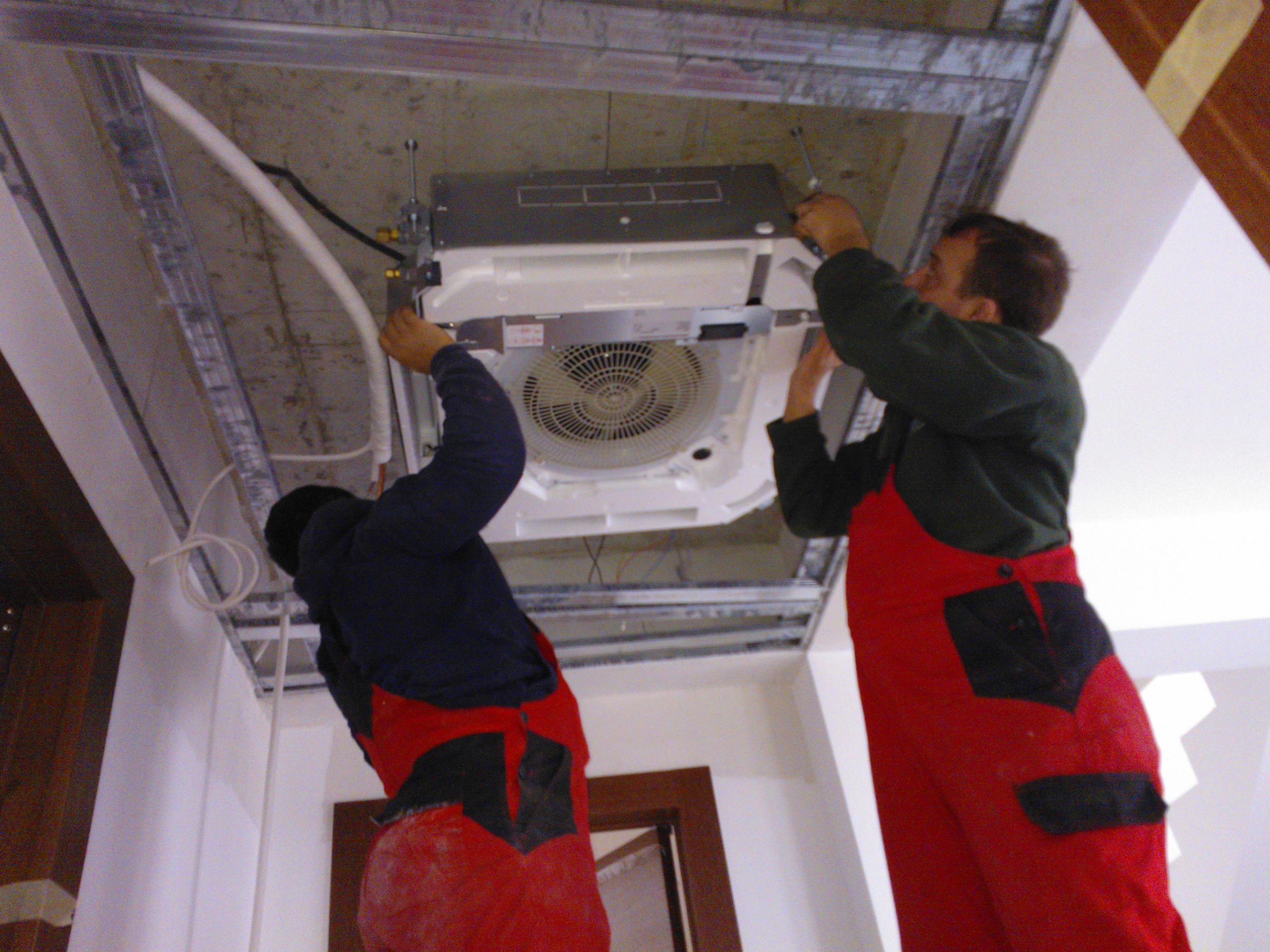 Instalatii de climatizare - Panouri solare - Climatizare - Inst Termice