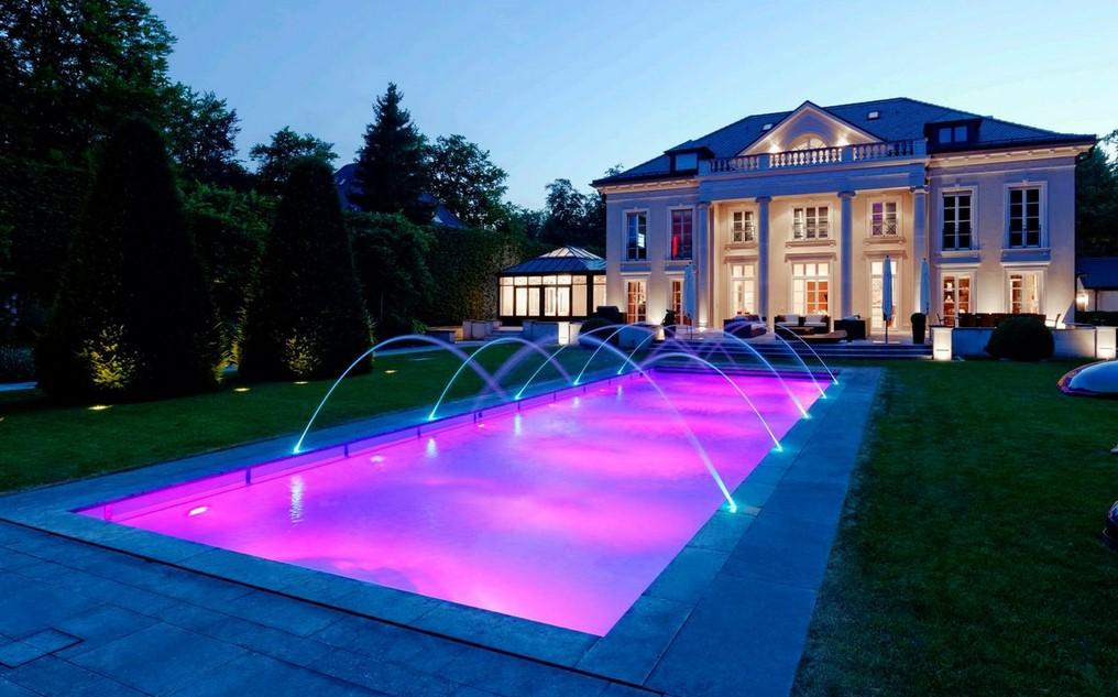 Idei fabuloase de amenajare pentru piscine - Noaptea, clipe de poveste