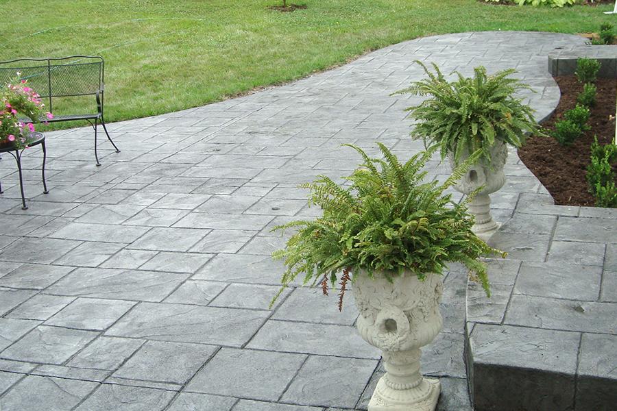 Alei din beton amprentat - Cinci sfaturi pentru o pavare reusita cu beton amprentat sau colorat