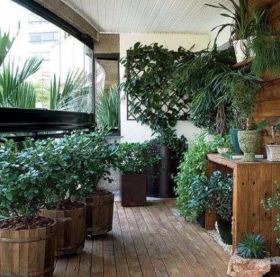 Rafturi recipiente si suporturi din lemn (foto gardenideas1 blogspot com) - Materiale pentru rafturi suporturi si