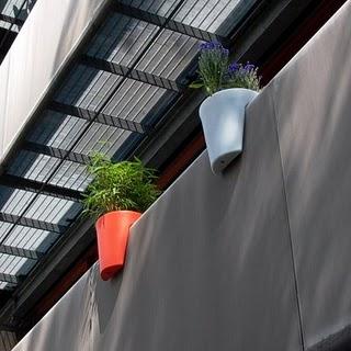 Vazut de afara: jardiniere de Michael Hilgers (foto: michaelhilgers.blogspot.com) - Idei decorative