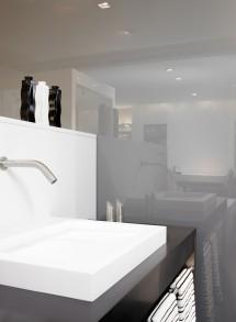 Amenajare baie cu sticla lacuita PLANILAQUE® EVOLUTION - Sticla pentru amenajarea bailor