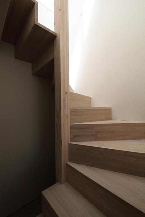 Se poate locui intr-o casa de doar trei metri latime? - Scara din lemn