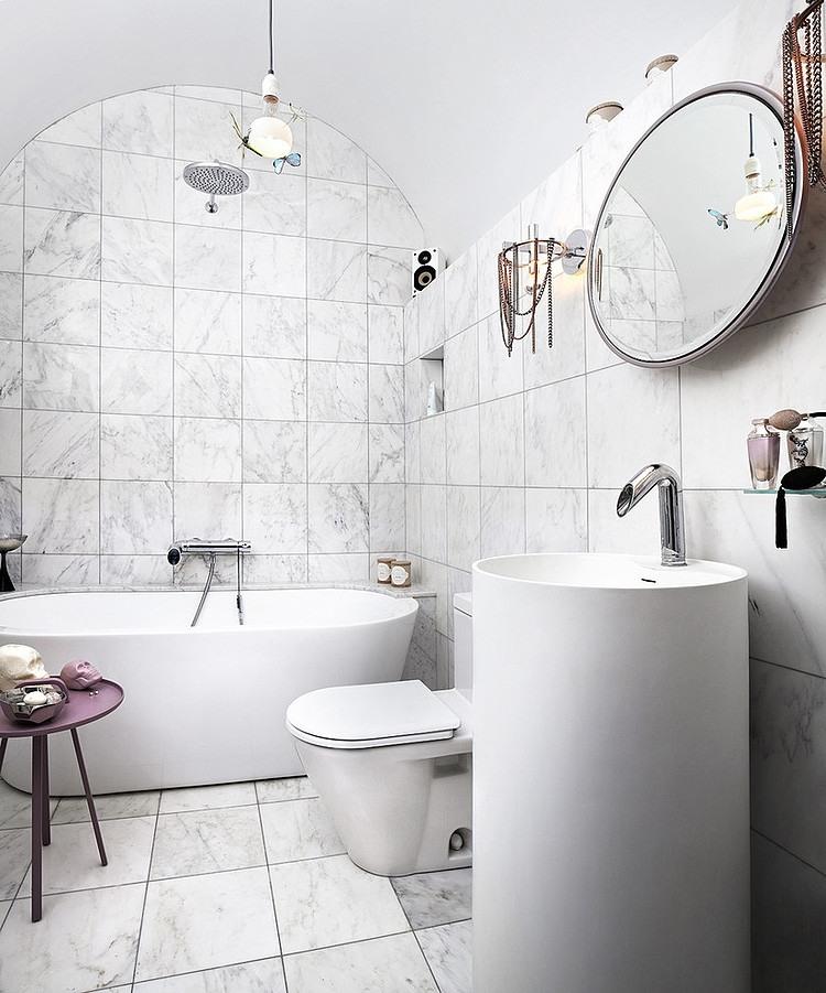Cum sa ne folosim de arta pentru a amenaja un apartament - Dormitor + baie