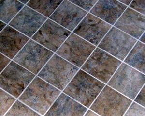 gresie - Rosturi de gresie - culoarea alba confirma igiena asigurata de chit sau mortar