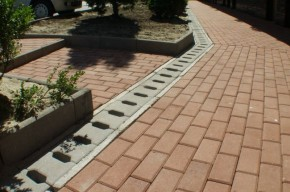 Rigola R2 - Rigola pietonala R2 din beton compact